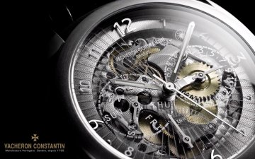 I choose sapphire or mineral glass on the watch?